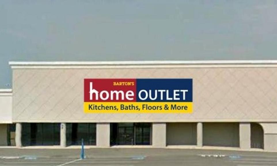 storefront of Home Outlet in Dayton, Ohio