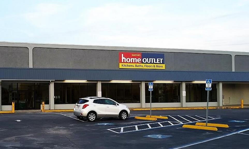 Home Outlet Panama City Storefront